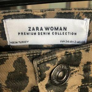 Zara Jeans Sz 2 Denim Leopard Print Skinny jean